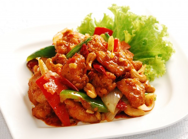 ... Chicken with Dried Chilli & Cashew Nuts / Basil leaves) | Bali Thai